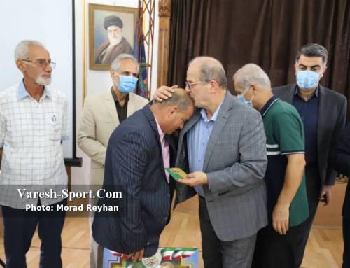 تقدیر باشگاه داماش از پیشکسوت داوری و نظارت فوتبال استان گیلان